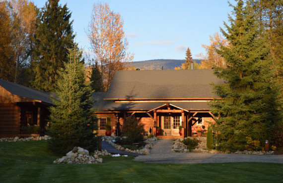 Moul Creek Lodge, BC