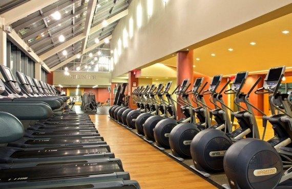 8-new-york-midtown-hilton-gym