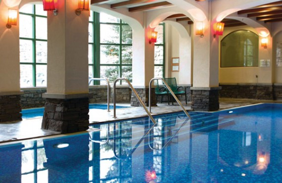 8-post-hotel-piscine