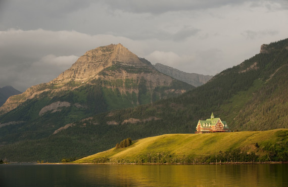 Prince of Wales, AB