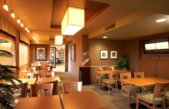 Quality Inn & Suites Aeroport - Restaurant