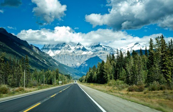 Icefields Parkway between Banff and Jasper