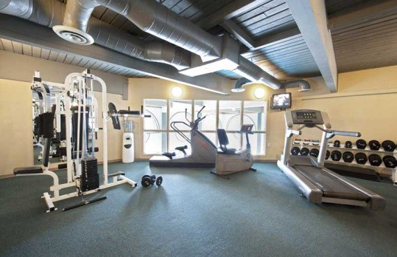 Tonquin Inn - Gym