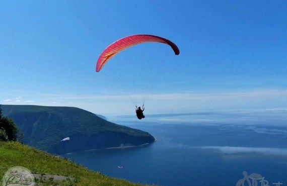 Vol en parapente au Mont-Saint-Pierre
