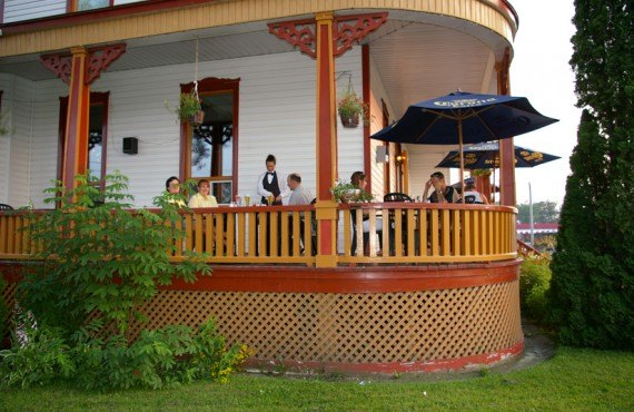 9-auberge-beausejour-terrasse