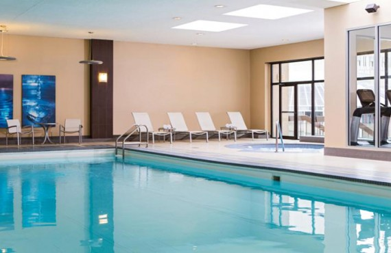 9-calgary-marriot-dontown-pool