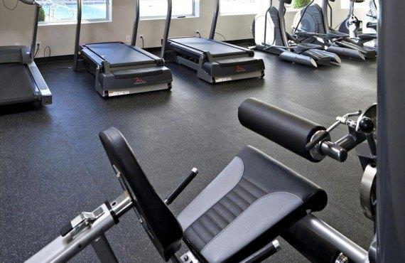 9-carriage-house-inn-gym