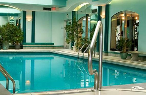 9-chateau-victoria-pool