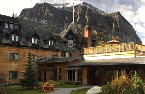 Deer Lodge - Lake Louise, AB