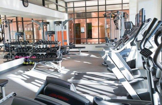 9-fairmont-tremblant-gym