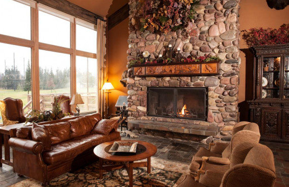 9-grouse-mountain-lodge-foyer.jpg