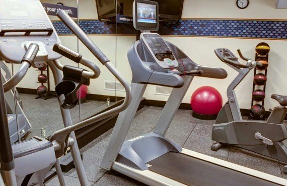 9-hampton-inn-north-conway-gym