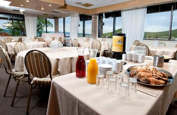 9-hotel-commandants-salle-manger
