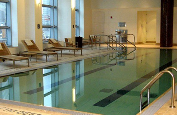 9-intercontinental-boston-piscine