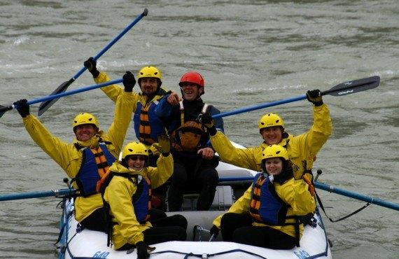 Lake Louise Inn - Rafting