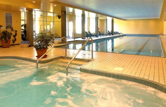 9-le-grand-lodge-piscine