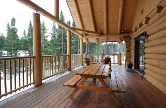 Ma Cabane au Canada - Balcon du chalet le Castor