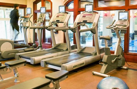 9-post-hotel-gym