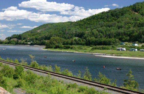 Canotage sur la rivière Restigouche