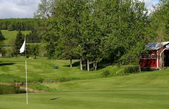 Auberge L'Ambassadeur - Terrain de golf à proximité