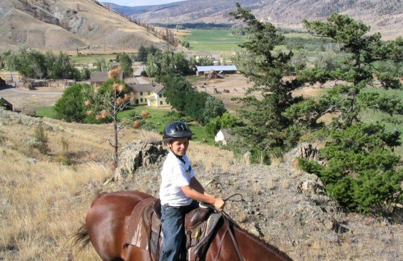 91-chalet-hat-creek-ranch-equitation