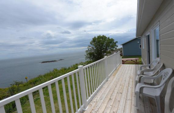 Vue de la terrasse des chalets de l'Anse-à-Yves