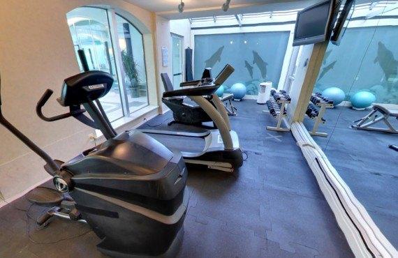 91-chateau-victoria-gym