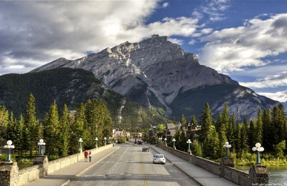Banff Ave & Cascade Mountain
