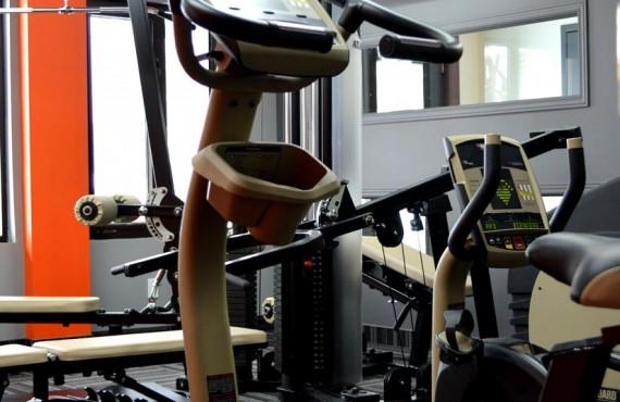 94-hotel-commandants-gym