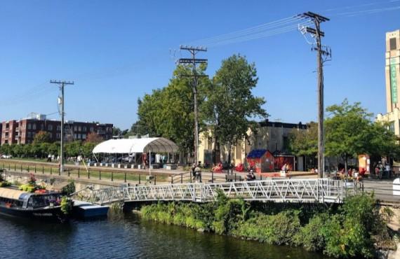 Marché Atwater depuis le Canal Lachine