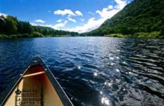 Canot sur la rivière Jacques-Cartier