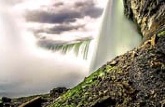niagara-falls-water-walk.jpg