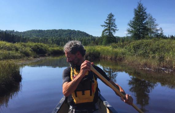 Canot sur la rivière Valin au Saguenay