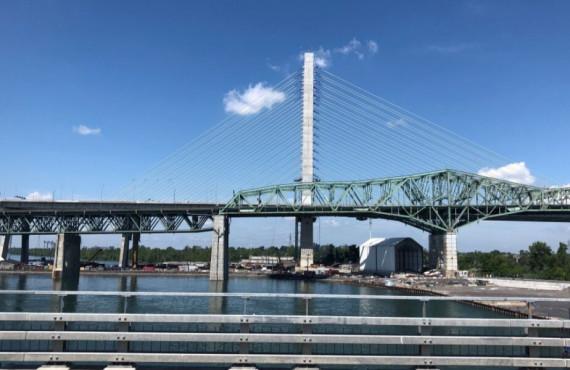 Piste cyclable de l'estacade du pont Champlain