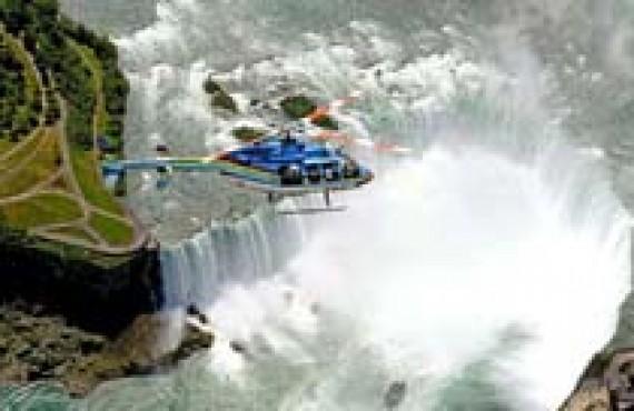 Survol des chutes Niagara en hélicoptère