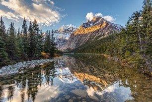 RV travel in Canada