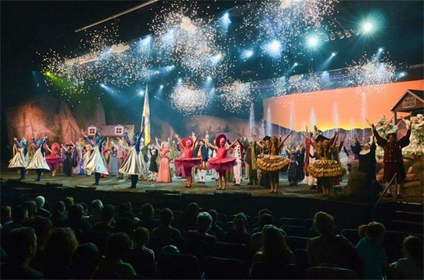 1-spectacle-fabuleuse-histoire-royaume-saguenay.jpg