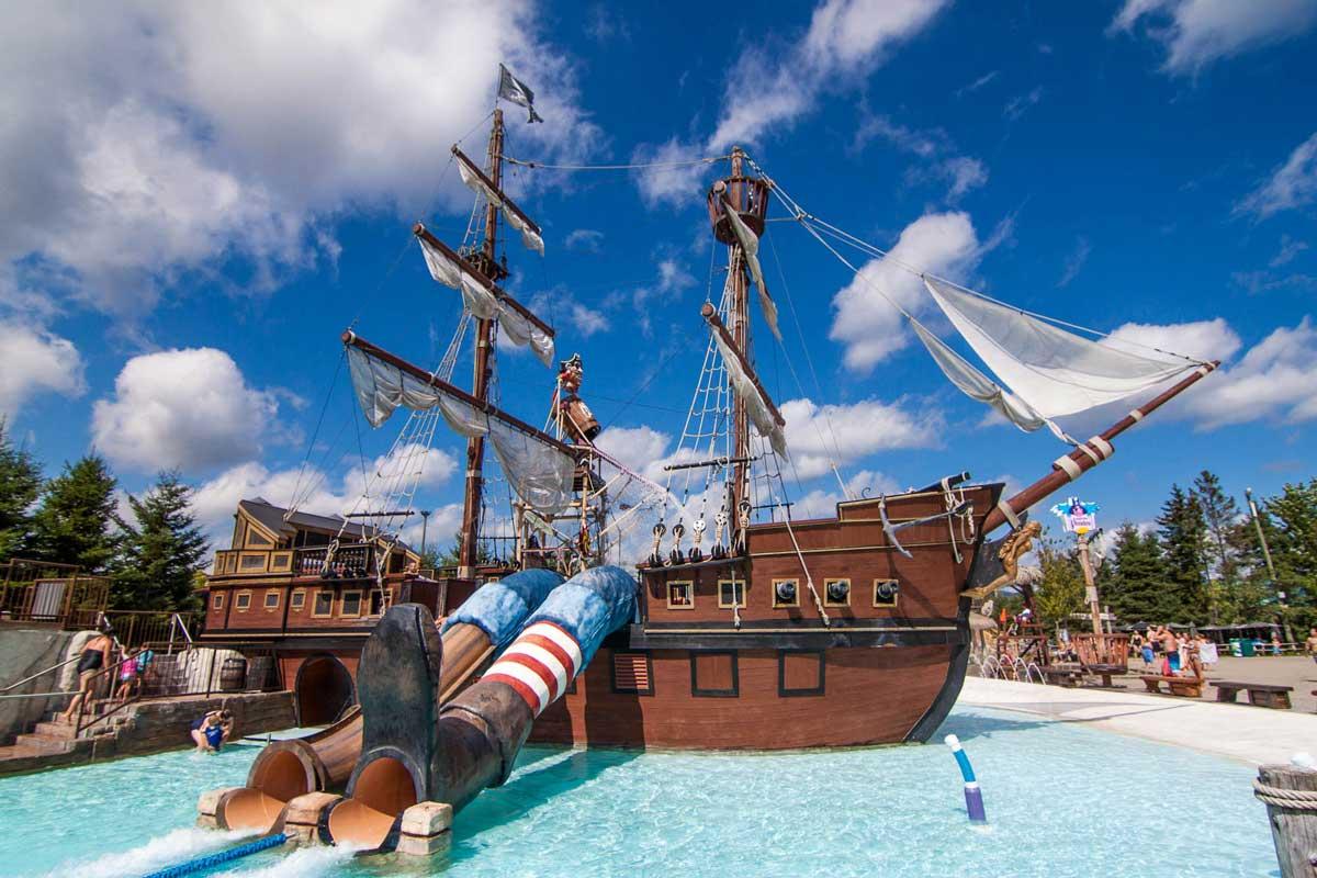 5-village-vacances-valcartier-bateau-pirate.jpg