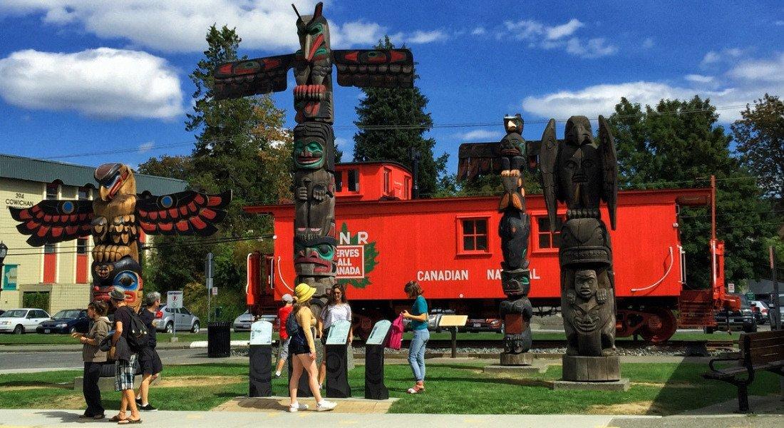 Totem pole à Duncan en Colombie-Britannique
