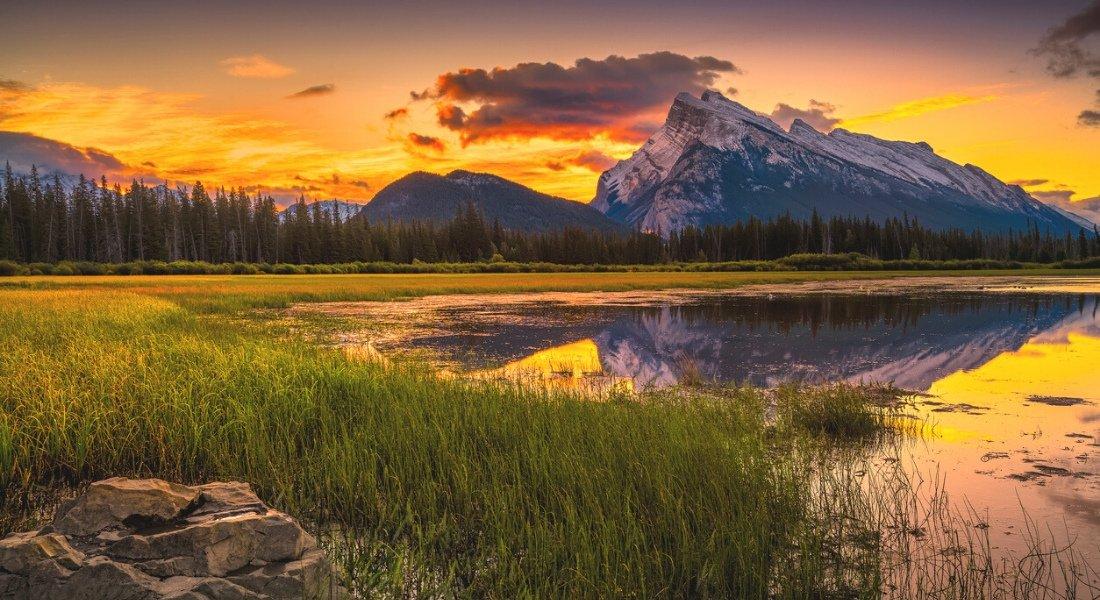 Le soleil se lève sur les lacs Vermillions