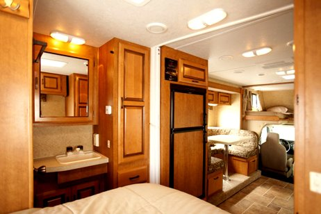Mh B Motorhome Rental In Canada With Canadream