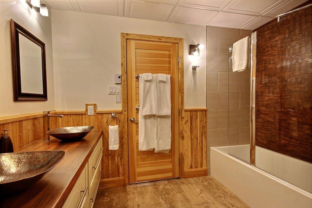 Chalet en bois rond Le Chasse-Galerie - Salle de bain-2