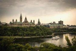 Le parlement d'Ottawa vu de Hull-Gatineau