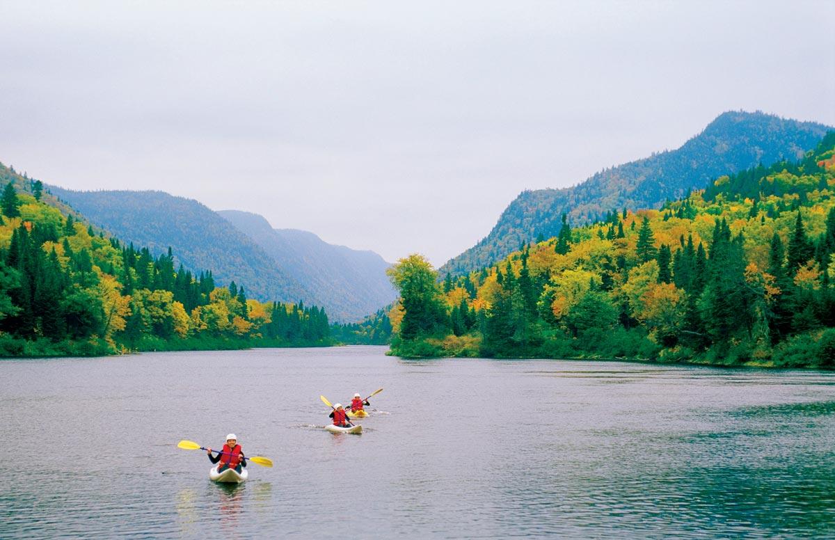 Kayak sur la rivière Jacques-Cartier