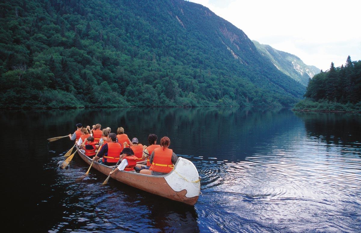 Rabaska sur la rivière Jacques-Cartier