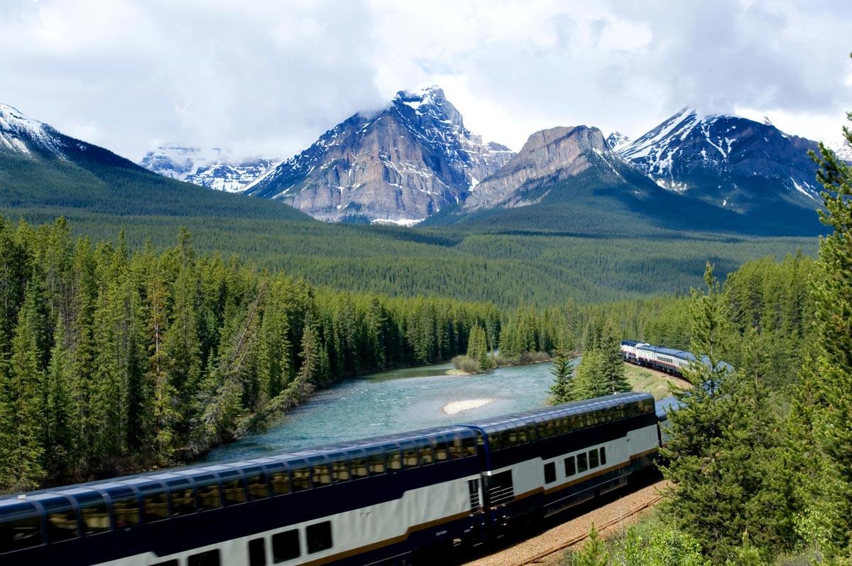 Train Rocky Mountaineer