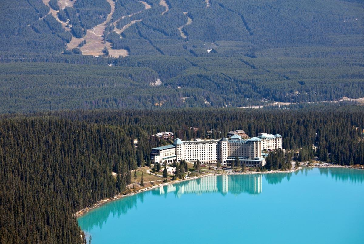 Chateau Lake Louise, Alberta