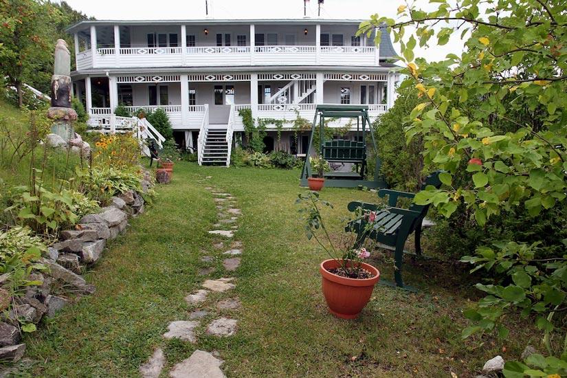 Auberge des c vennes fjord du saguenay qu bec canada for Auberge du jardin antoine