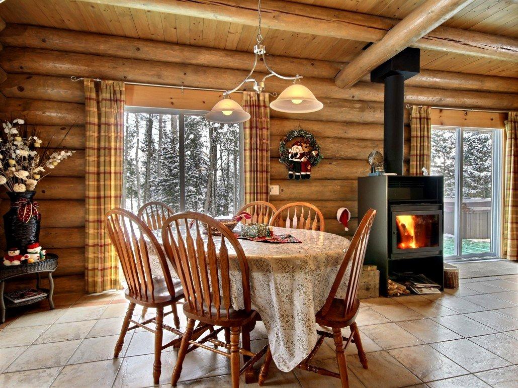 Ma Cabane au Canada - Salle à manger