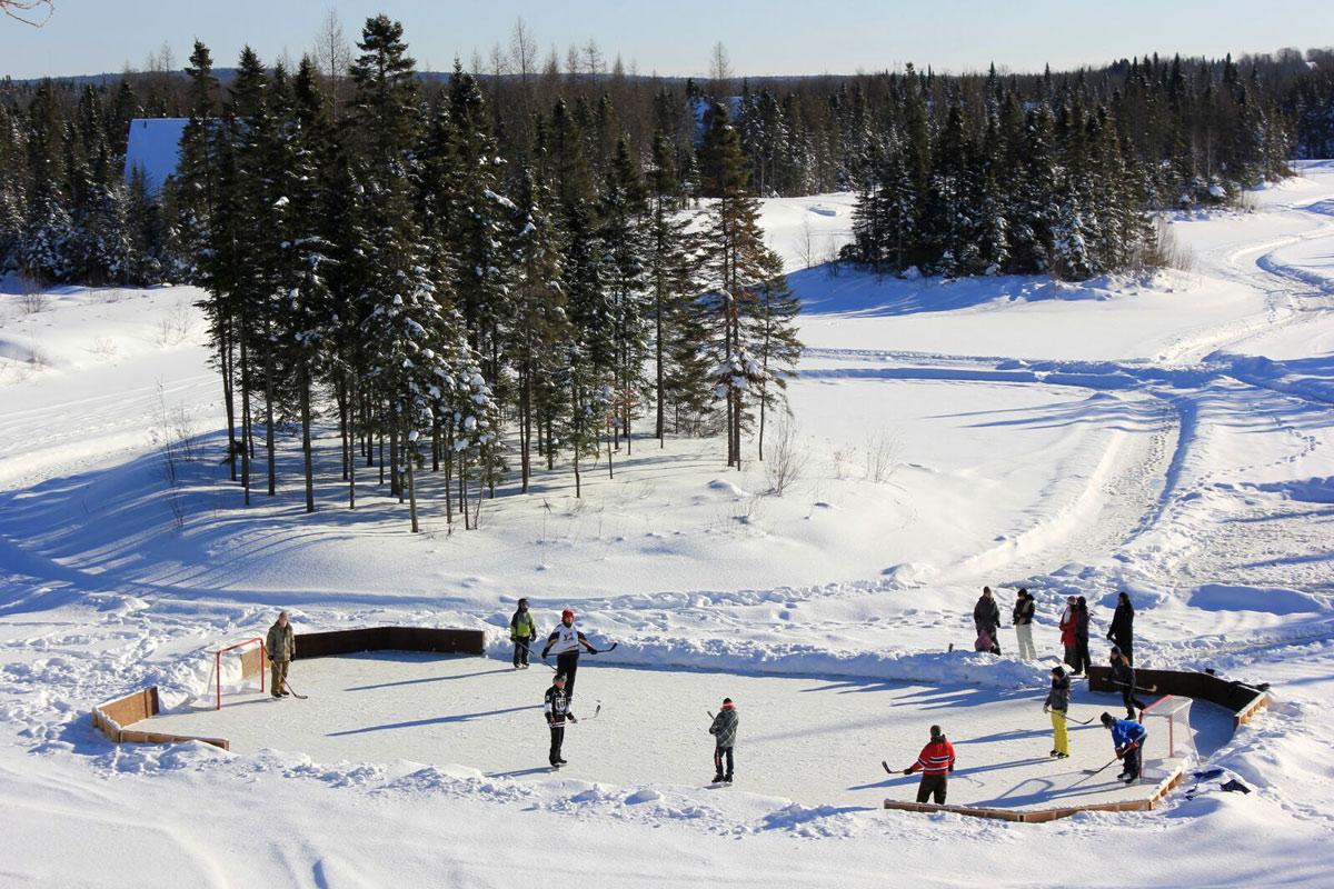 Patinage sur lac gelé